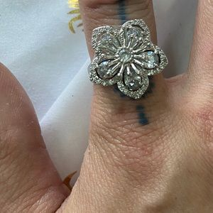 Silver plated flower ring w/ clear CZ crystals